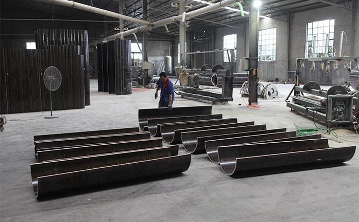 木制圆柱模具加工车间