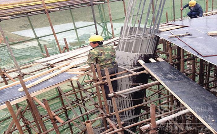 可倾斜支模的圆柱木模板