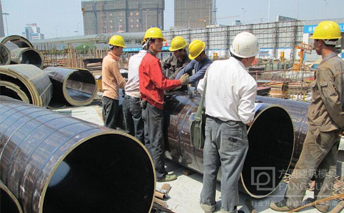 圆柱木模板安装加固施工