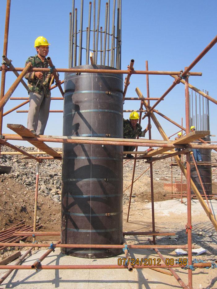 圆柱木模板施工现场