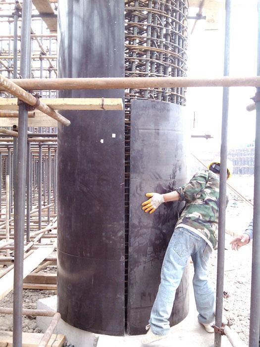 木质圆柱模板超过3米时错位安装
