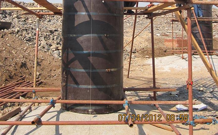 木质圆柱模板外围井字架保护