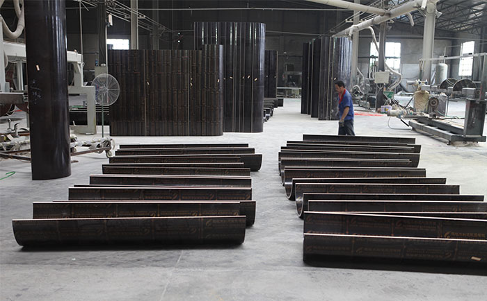 木制圆柱模板加工生产车间