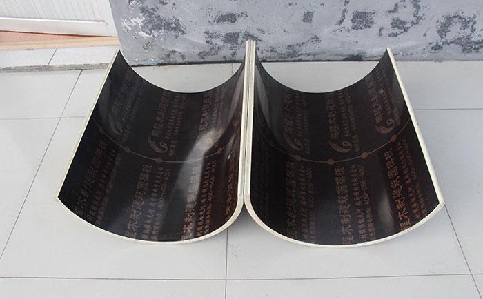 圆形柱模板采用大胶合板