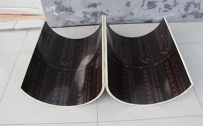 圆柱形模板内表面光滑