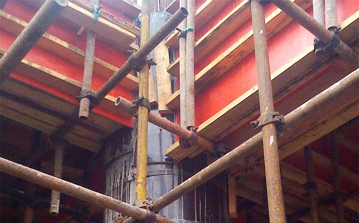 圆柱木模板应用与桥梁柱子施工