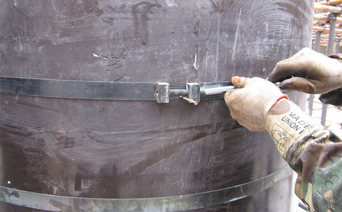 圆柱木模板水平加固