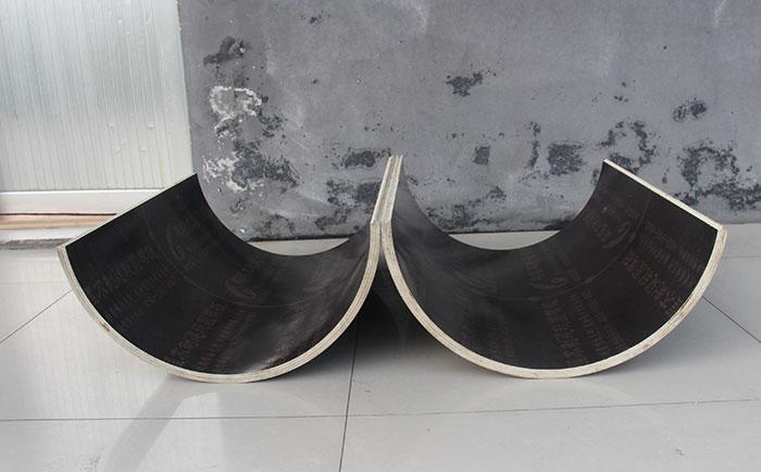 圆柱木模板由多片组成
